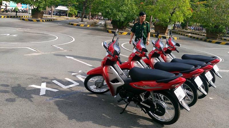 Học bằng lái xe máy A1