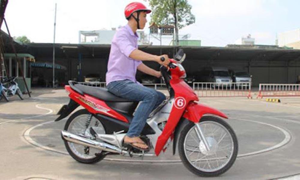 Khóa học bằng lái xe máy