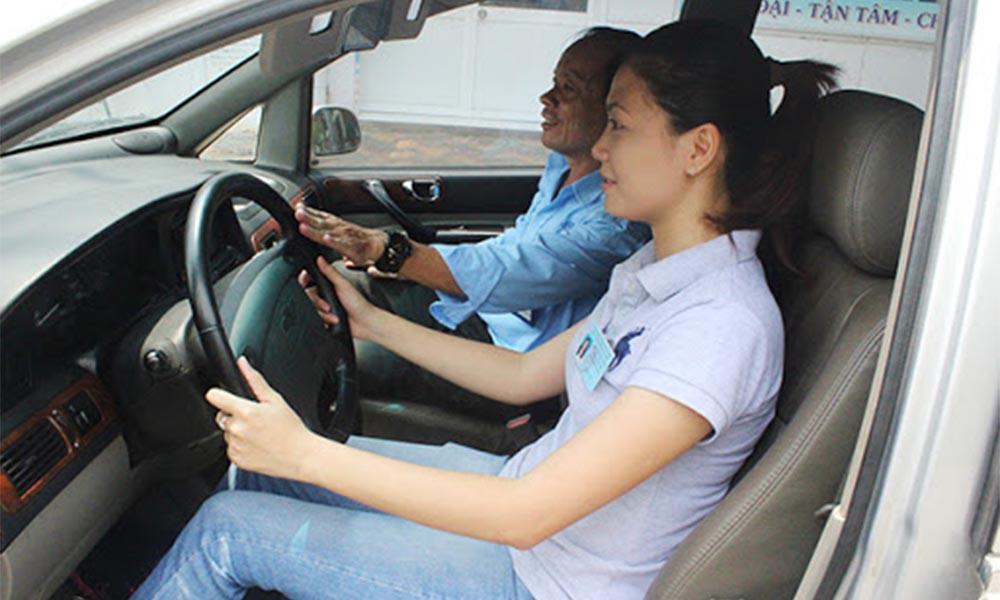 Khóa học bằng lái xe ô tô